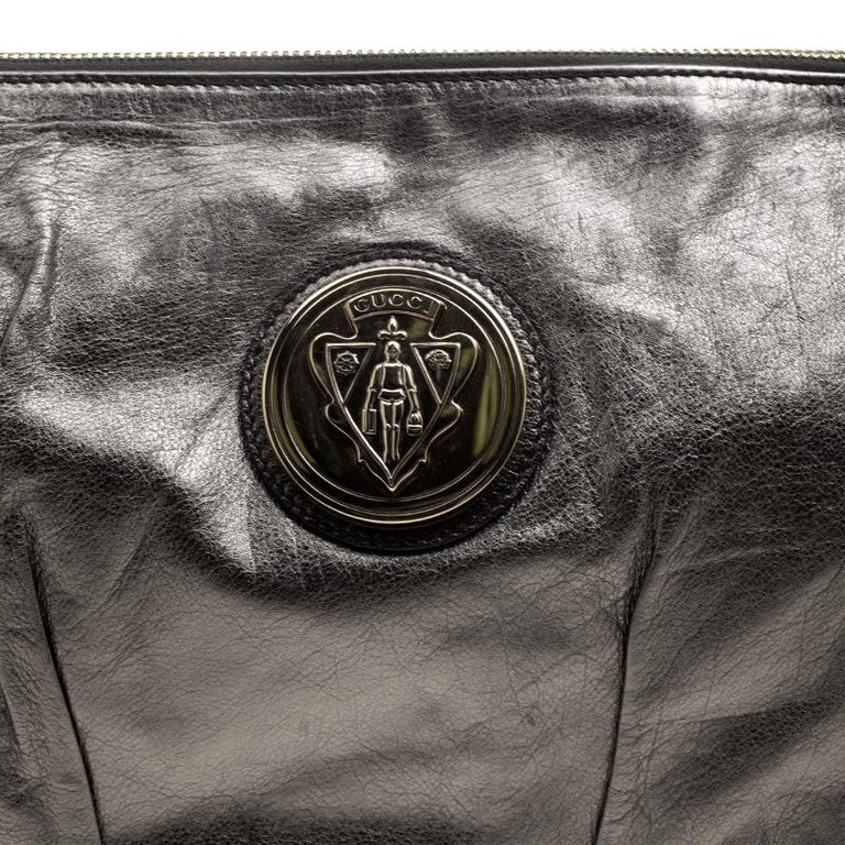 Gucci Metallic Grey Leather Large Hysteria Clutch For Sale 1