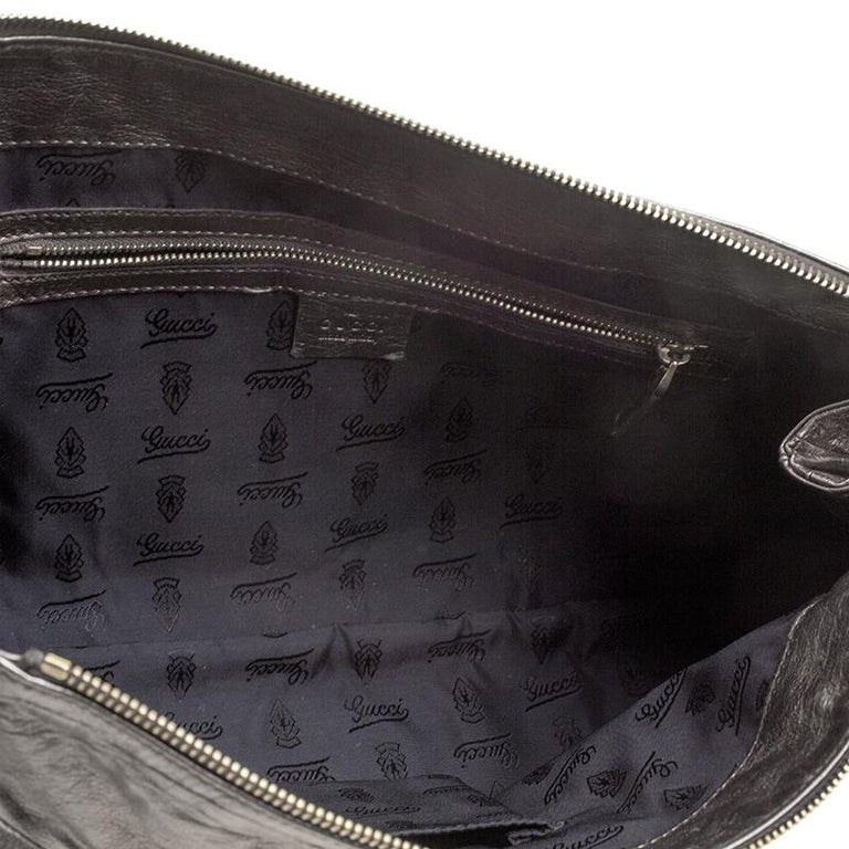 Gucci Metallic Grey Leather Large Hysteria Clutch For Sale 2
