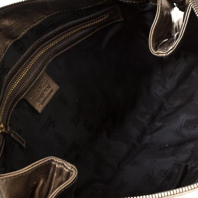 Gucci Metallic Olive Leather Large Hysteria Clutch For Sale 3