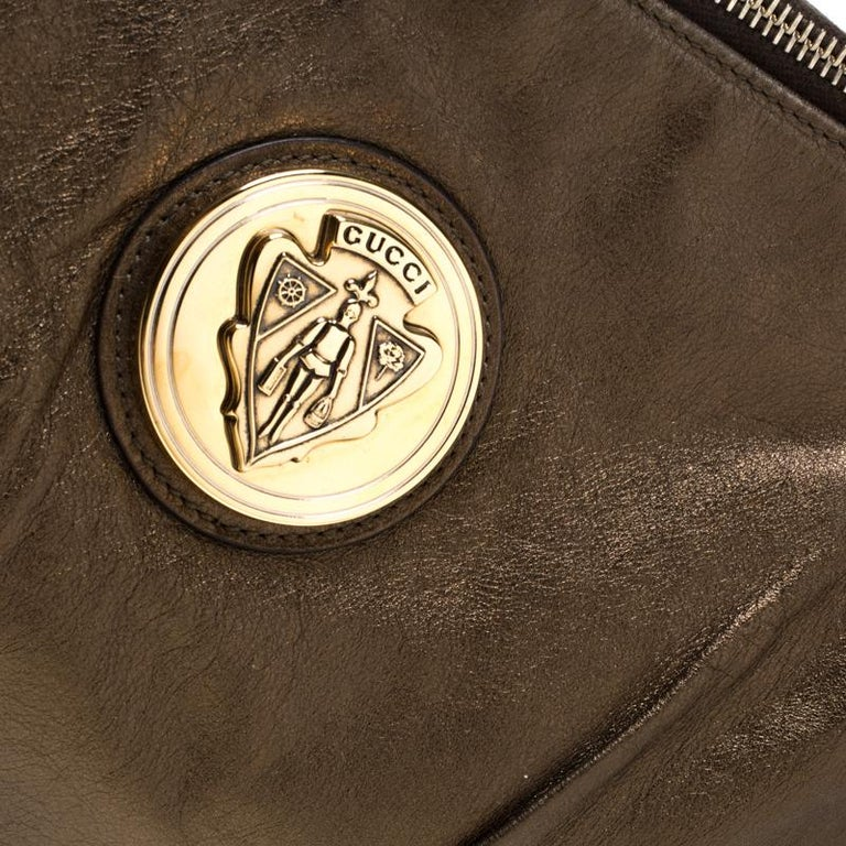 Gucci Metallic Olive Leather Large Hysteria Clutch For Sale 4