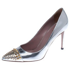Gucci Metallic Silver Leather Studded Pointed Toe Pumps Size 39