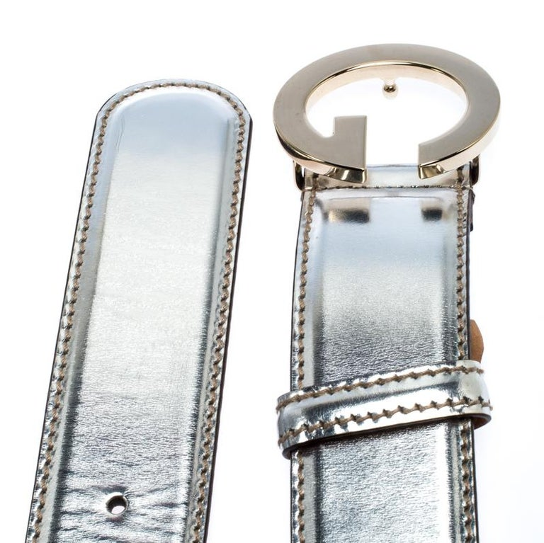 Women's Gucci Metallic Silver Patent Leather G Buckle Belt 95CM For Sale