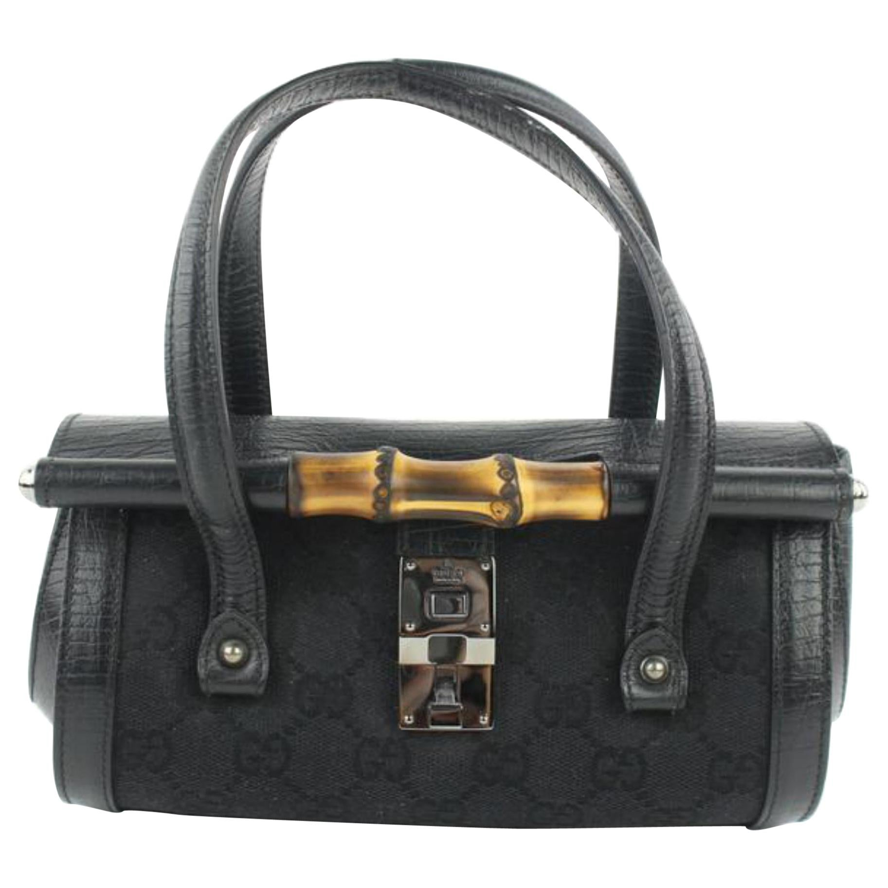 e9697e3418bb14 Vintage Gucci Handbags and Purses - 2,513 For Sale at 1stdibs
