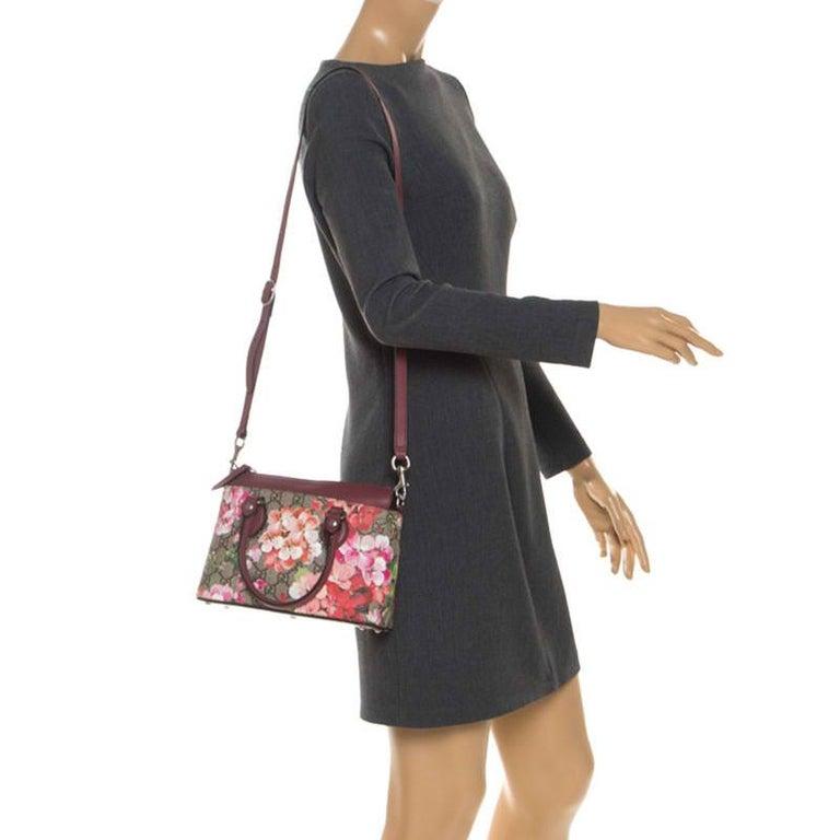 Gucci Multicolor GG Supreme Canvas Blooms Leather Small Satchel In Good Condition For Sale In Dubai, Al Qouz 2