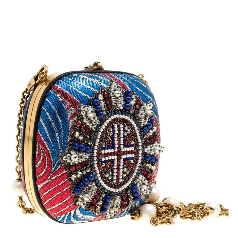 Gucci Multicolor Metallic Brocade Broadway Faux Pearl Minaudiere Clutch In New Condition For Sale In Dubai, Al Qouz 2