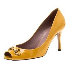Gucci Mustard Patent Leather Jolene Horsebit Peep Toe Pumps Size 40