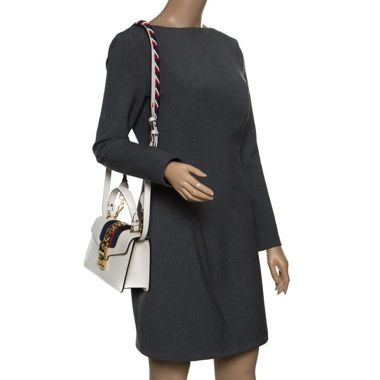 e09d92136a9 Gucci Off White Leather Mini Sylvie Top Handle Bag In Good Condition For  Sale In Dubai