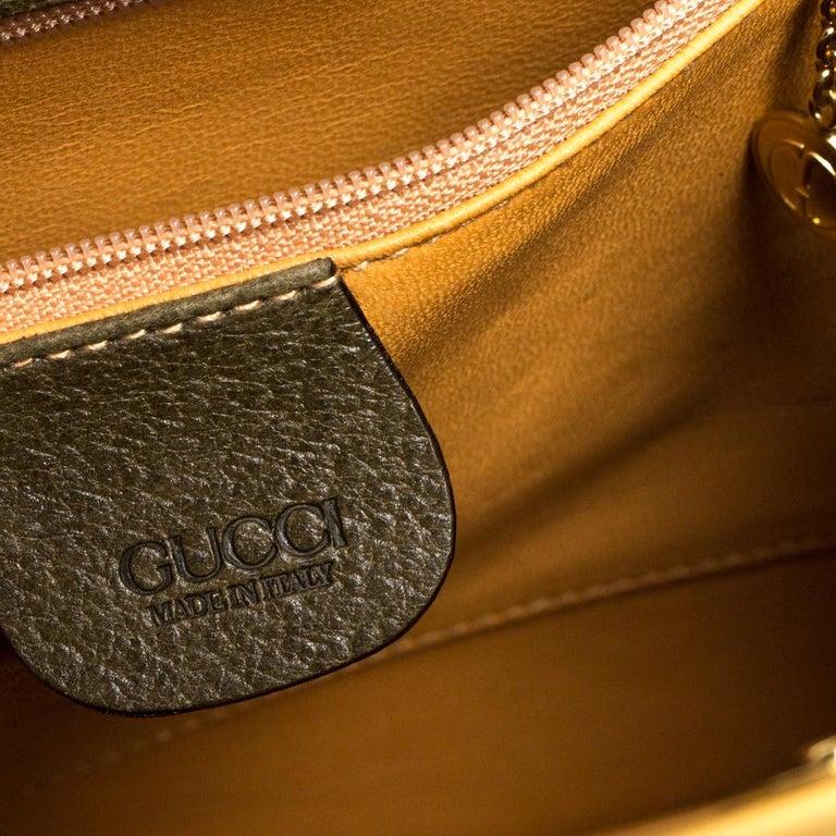 Gucci Olive Green Leather Vintage Horsebit Doctor's Bag 4