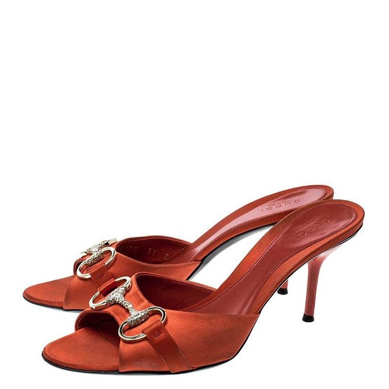 Gucci Orange Satin Crystal Embellished Horsebit Slides Size 37 In Good Condition In Dubai, Al Qouz 2