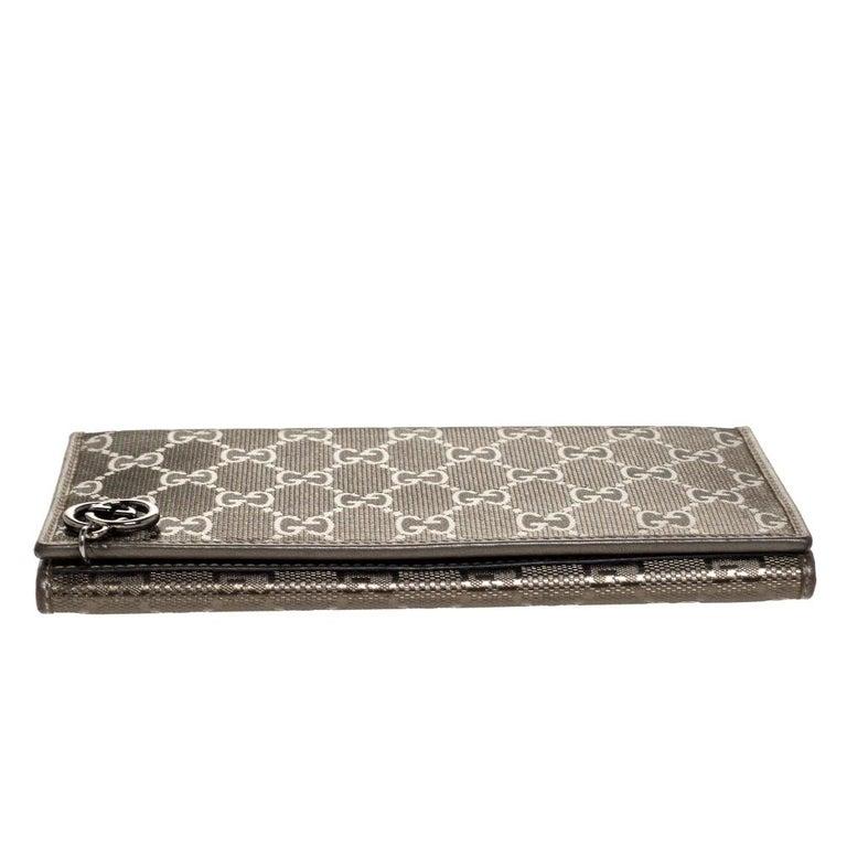 Gucci Pale Green Imprime Canvas Interlocking G Continental Wallet In Good Condition For Sale In Dubai, Al Qouz 2