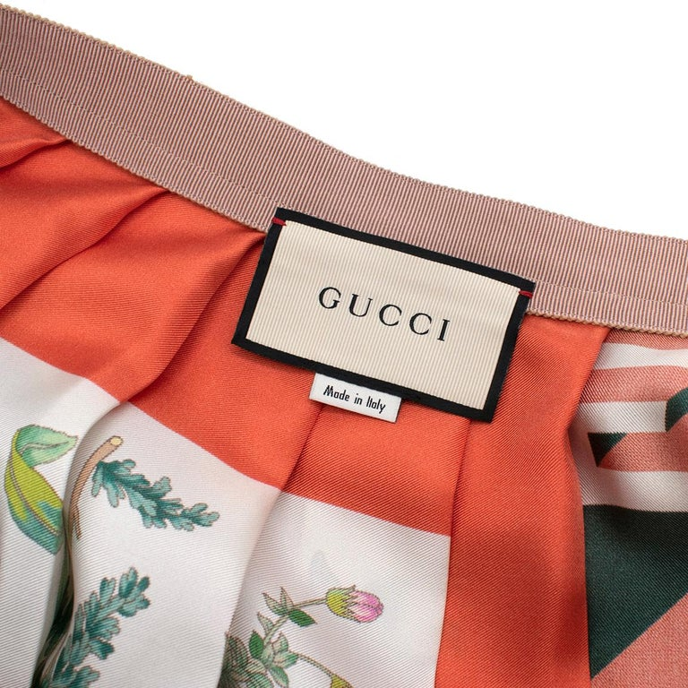 Gucci Patchwork Print Pleated Asymmetric Silk Skirt - US Size 6 For Sale 3