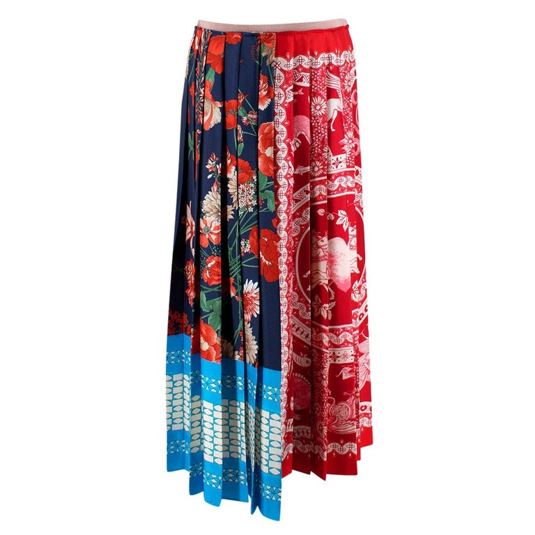 Gucci Patchwork Print Pleated Asymmetric Silk Skirt - US Size 6 For Sale