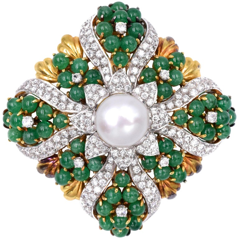 4c986d4f3e4 Gucci Pearl and Emerald Brooch Pendant For Sale at 1stdibs