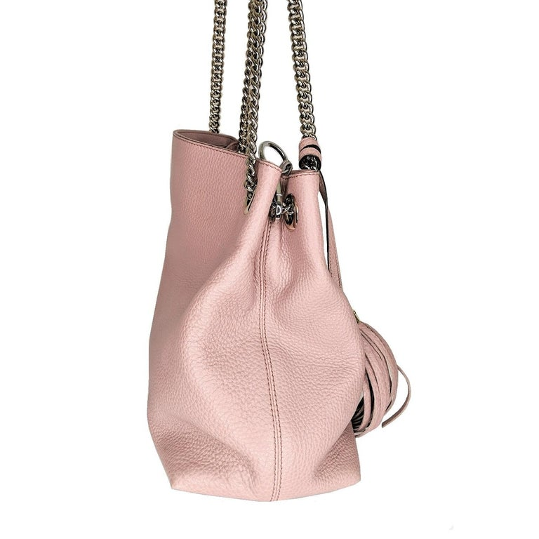 Gucci Pebbled Calfskin Medium Soho Chain Shoulder Bag In Excellent Condition For Sale In Scottsdale, AZ
