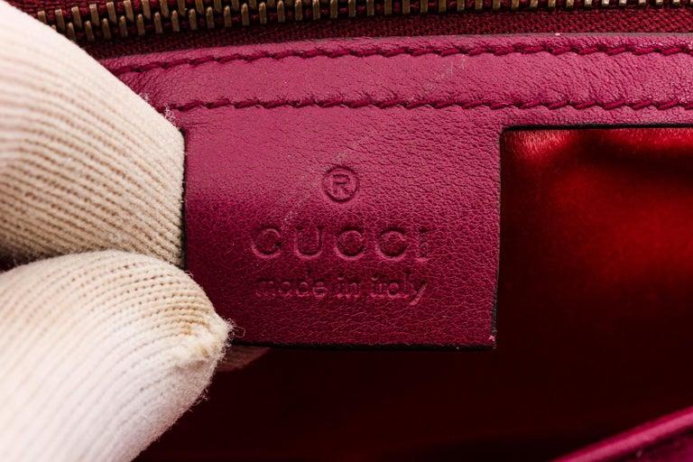 Women's or Men's Gucci Pink Chevron Velvet GG Marmont Matelassé Shoulder Bag For Sale