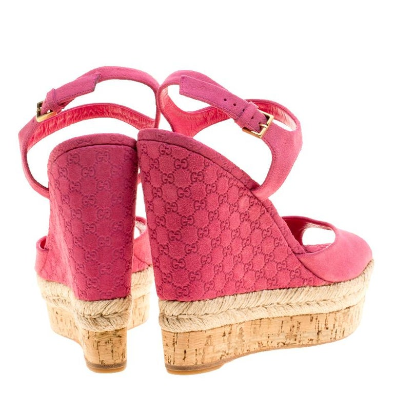 17063d350152 Gucci Pink Guccissima Suede Cork Wedge Sandals Size 36 In Excellent  Condition For Sale In Dubai