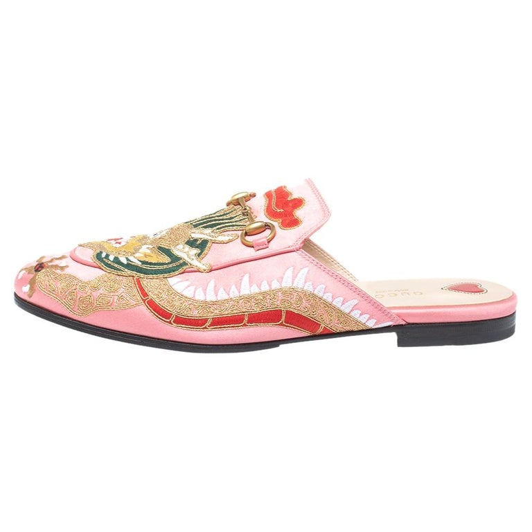 Gucci Pink Satin Dragon Embroidery Princetown Mule Flats Size 40 For Sale