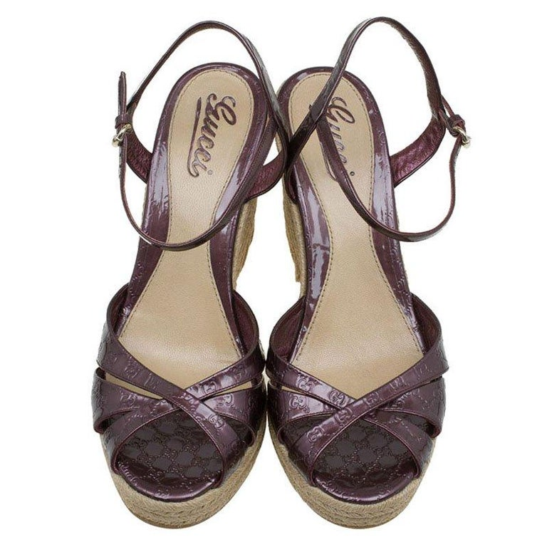 f6859291dadf ... Micro Guccissima Penelope Espadrille Wedges Size 40 For Sale. Penelope   espadrille from the house of Gucci is designed in a gorgeous plum purple  patent