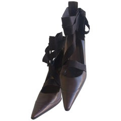 Gucci Pointed Winklepicker Brown Leather Pumps with Ribbon