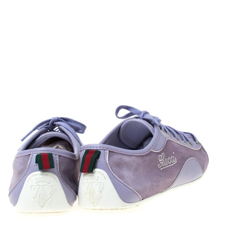 Gucci Purple Leather And Suede Lace Up Low Top Sneakers Size 38.5 In Good Condition In Dubai, Al Qouz 2