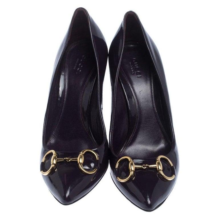Black Gucci Purple Patent Leather Horsebit Pointed Toe Pumps Size 37.5 For Sale
