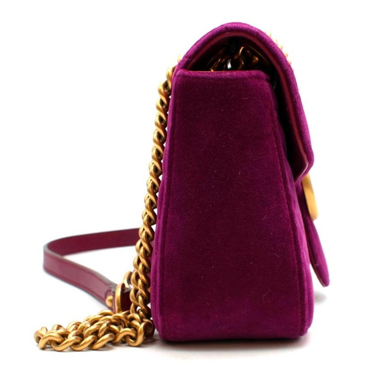 Gucci Purple Velvet Marmont Quilted Shoulder Bag  - Gold Hardware - front flap with push lock fastening - GG logo on the front - Adjustable chain strap with leather detail can be worn as a double or single strap - Satin lining - Zip closure interior