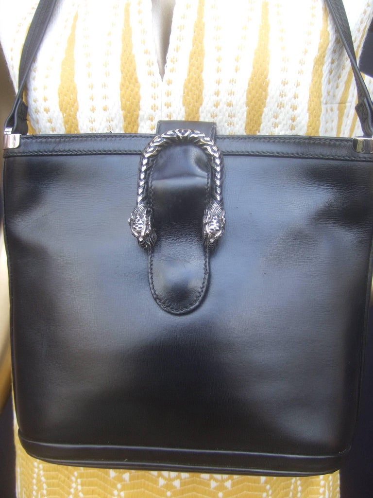 b55a8d8d0828 Gucci Rare Sterling Silver Tiger Clasp Ebony Leather Handbag circa 1970s  For Sale 2