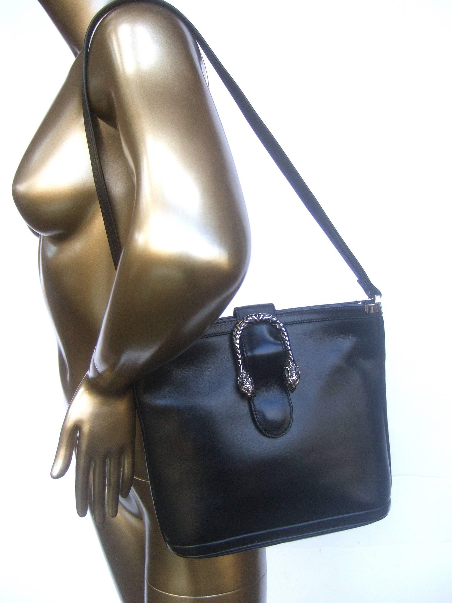 da3c91b89a9f Gucci Rare Sterling Silver Tiger Clasp Ebony Leather Handbag circa 1970s  For Sale at 1stdibs
