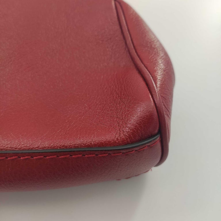 GUCCI Rebelle Shoulder bag in Red Leather For Sale 6