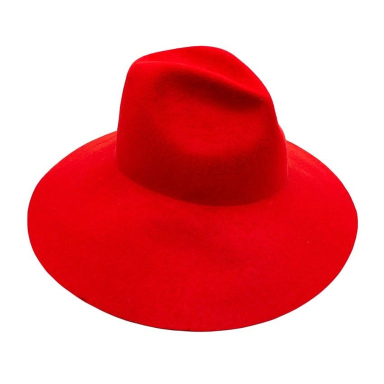 Women's or Men's Gucci Red Asymmetrical Wide Brim Rabbit Felt Hat - Size M For Sale