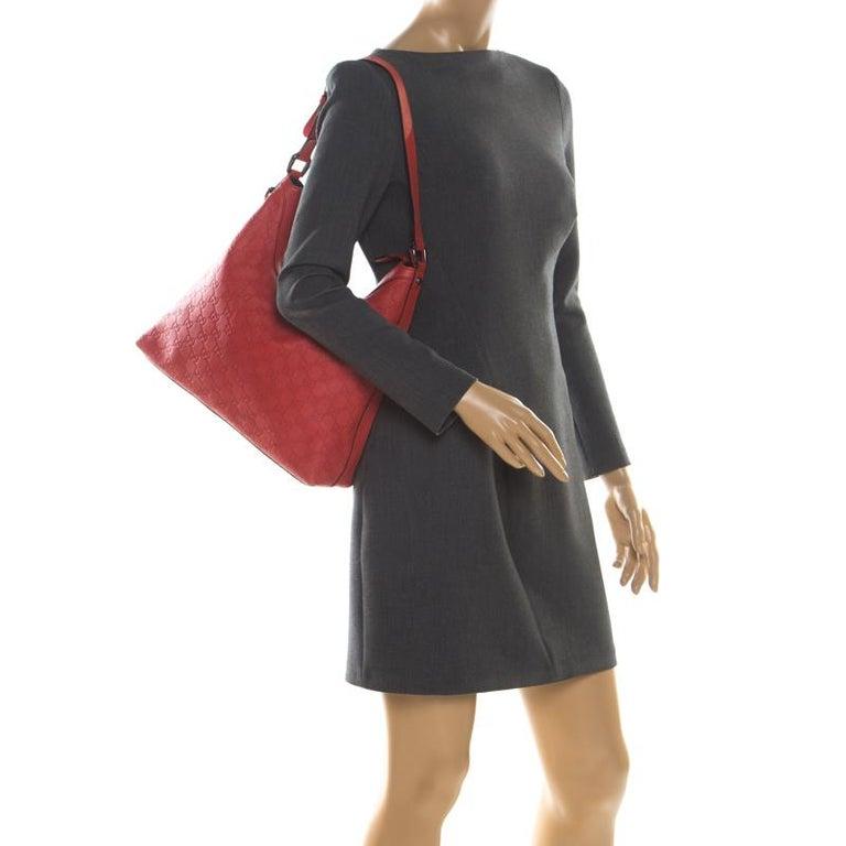 Gucci Red Guccissima Leather Charm Hobo In Good Condition For Sale In Dubai, Al Qouz 2