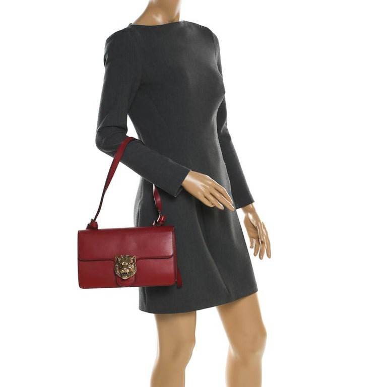 Gucci Red Leather Animalier Shoulder Bag In Good Condition For Sale In Dubai, Al Qouz 2