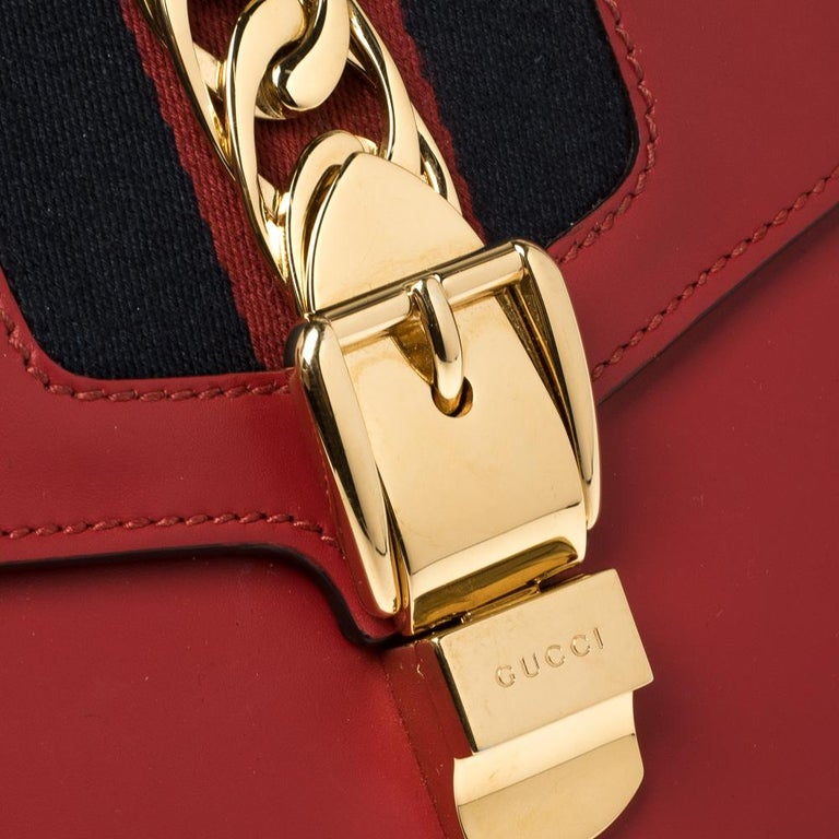 Gucci Red Leather Small Web Chain Sylvie Shoulder Bag For Sale 5