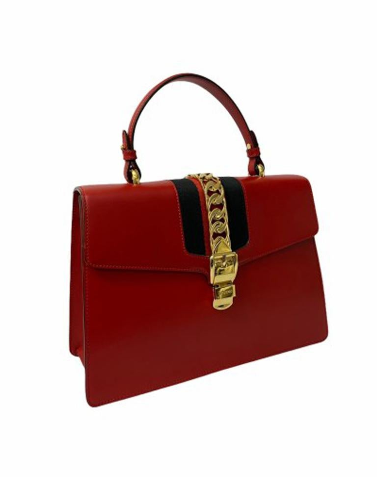 Gucci Red Leather Sylvie Shoulder Bag  In Excellent Condition For Sale In Torre Del Greco, IT
