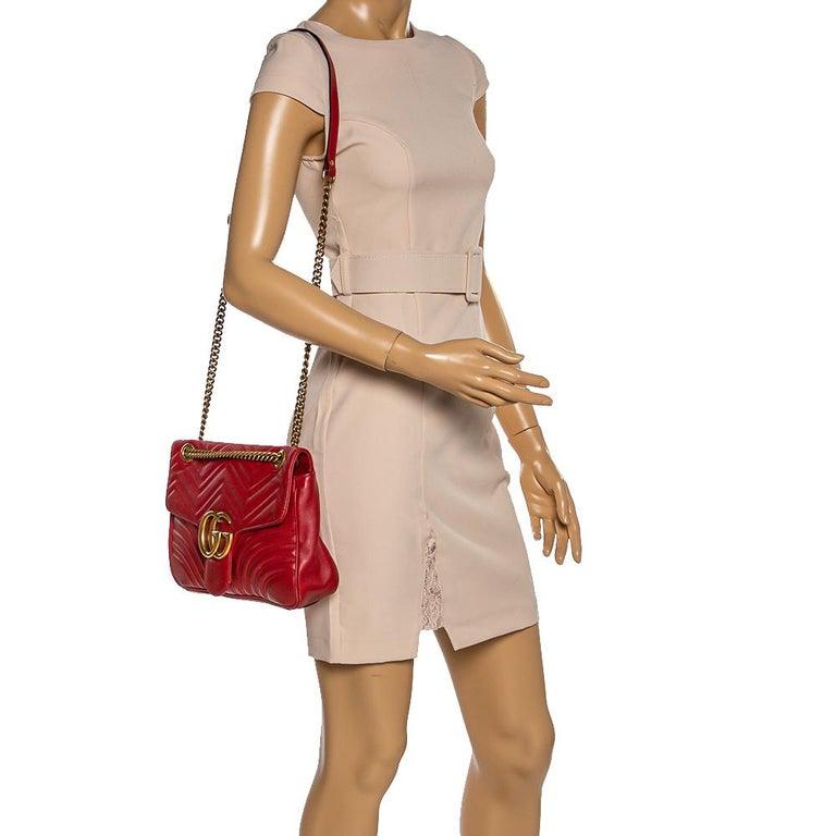 Gucci Red Matelasse Leather Medium GG Marmont Shoulder Bag In Good Condition For Sale In Dubai, Al Qouz 2