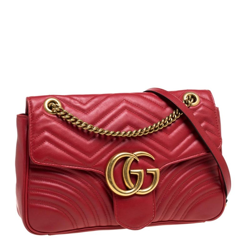 Gucci Red Matelasse Leather Medium GG Marmont Shoulder Bag In Good Condition For Sale In Dubai, Al Qouz 2