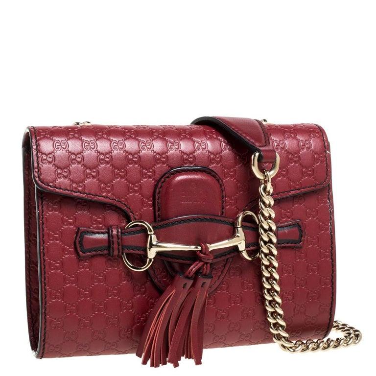 Gucci Red Microguccissima Leather Mini Emily Chain Shoulder Bag In Good Condition For Sale In Dubai, Al Qouz 2