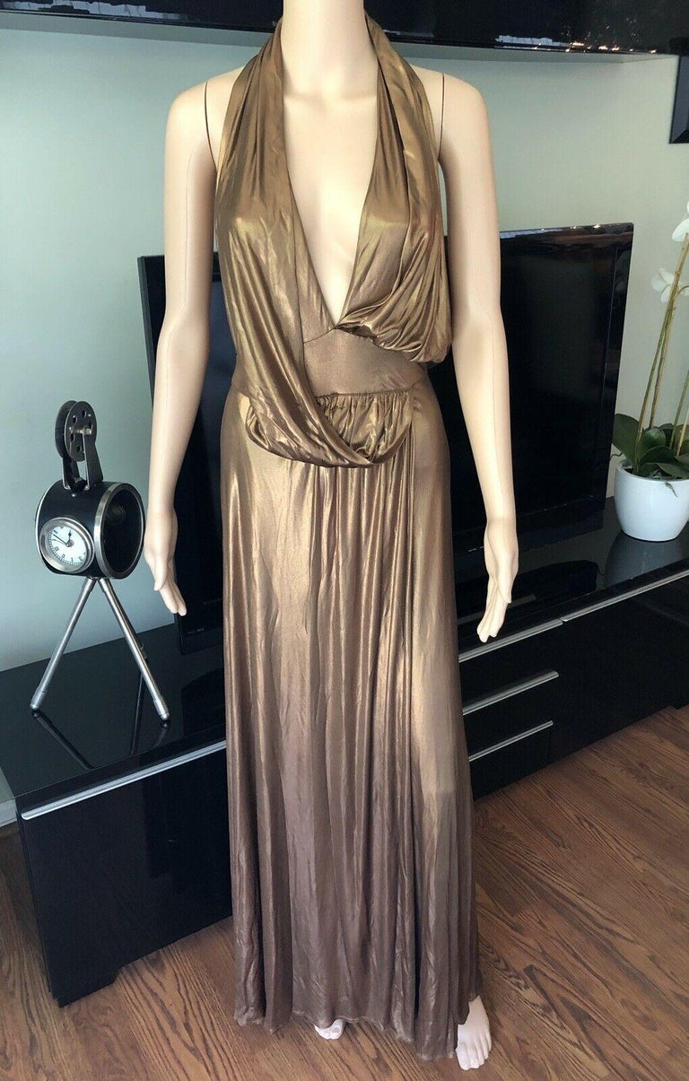 Women's Gucci Runway F/W 2006 Plunging Neckline Backless Gold Metallic Dress Gown For Sale