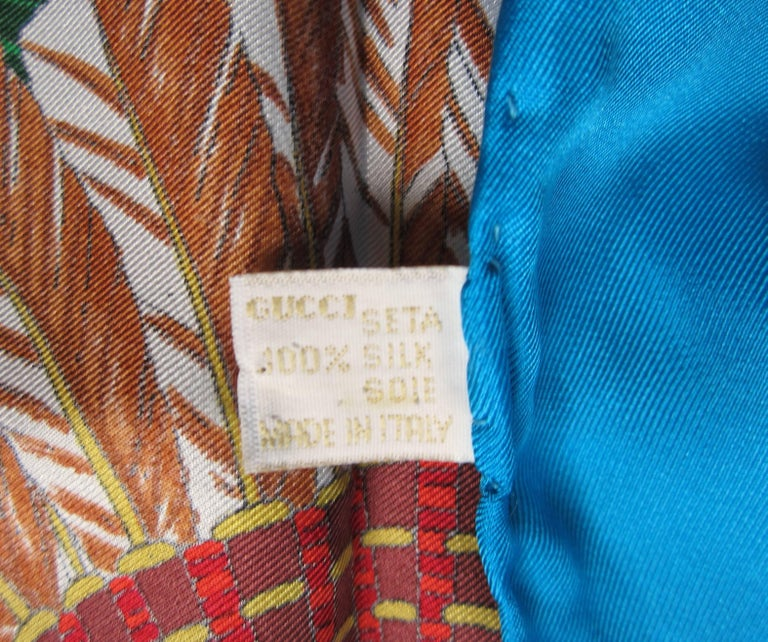 Gucci Scarf Silk Indian Chief Motif 1990s  New, Never worn  In New Condition For Sale In Wallkill, NY