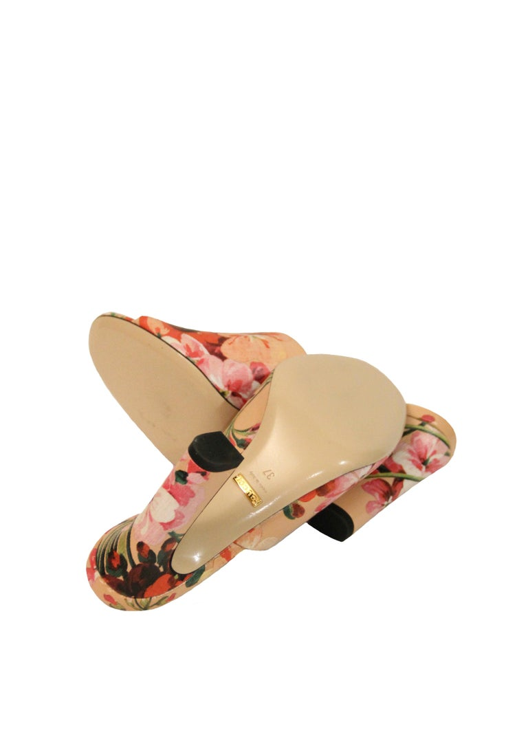 Gucci Shanghai Bloom Print Leather Heeled Mules NEW  For Sale 1
