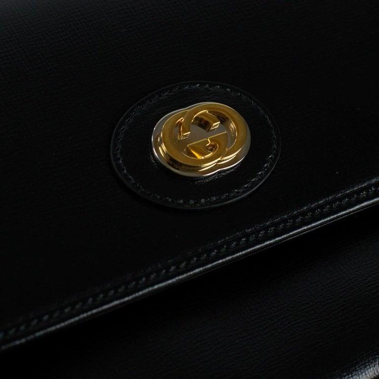 GUCCI Shoulder bag in Black Leather For Sale 4