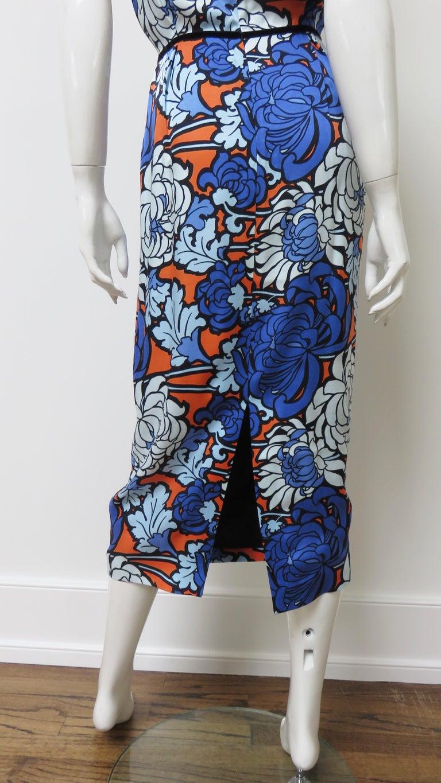 Gucci Silk Flower Print Dress For Sale 12