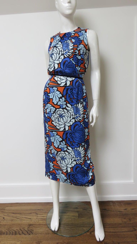 Purple Gucci Silk Flower Print Dress For Sale