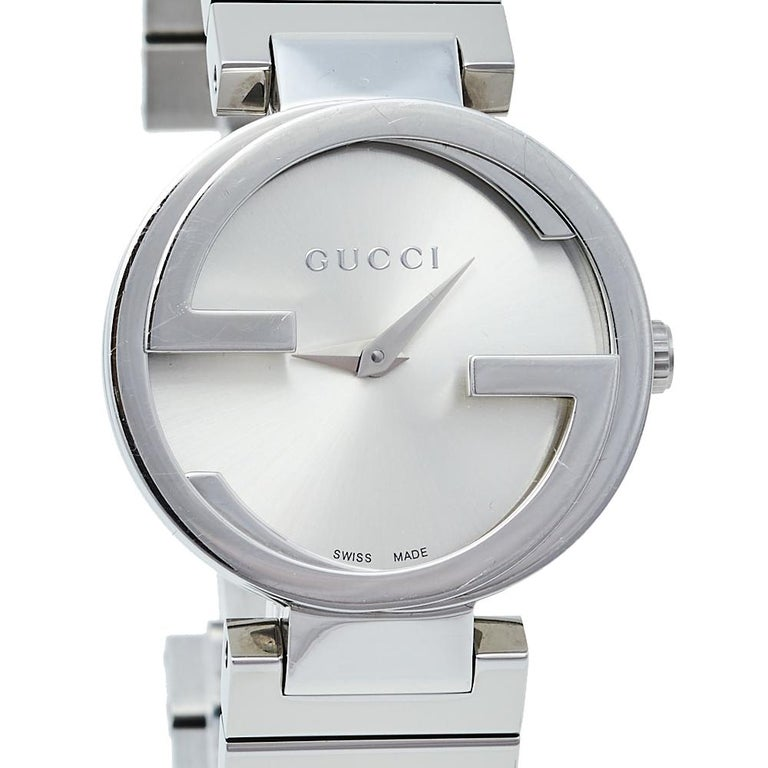 Contemporary Gucci Silver Stainless Steel Interlocking YA133503 Women's Wristwatch 29 mm For Sale