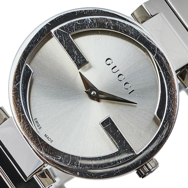 Gucci Silver Stainless Steel Interlocking YA133503 Women's Wristwatch 29 mm In Good Condition For Sale In Dubai, Al Qouz 2