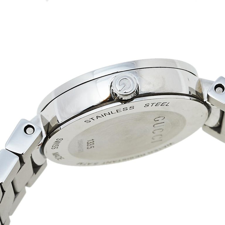 Gucci Silver Stainless Steel Interlocking YA133503 Women's Wristwatch 29 mm For Sale 3