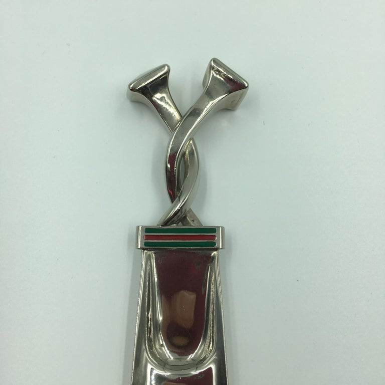 Gucci Silver with Red and Green Classic Stripe Shoehorn  In Good Condition For Sale In Los Angeles, CA