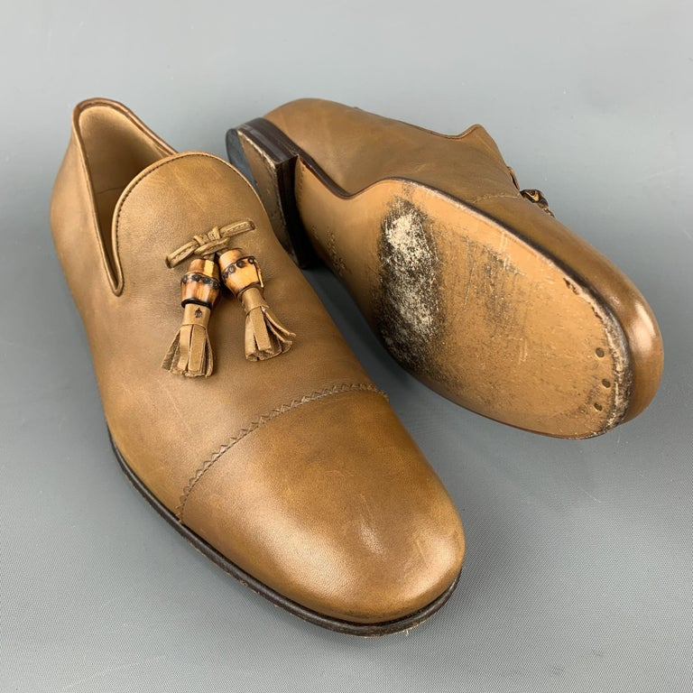 Brown GUCCI Size 11 Tan Solid Leather Tassel Slip On Loafers For Sale