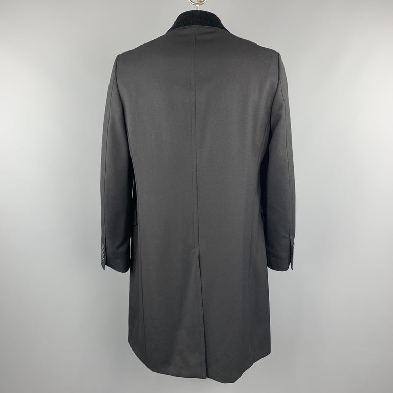 GUCCI Size 46 Black Wool Velvet Collar Hidden Buttons Long Coat In Excellent Condition For Sale In San Francisco, CA