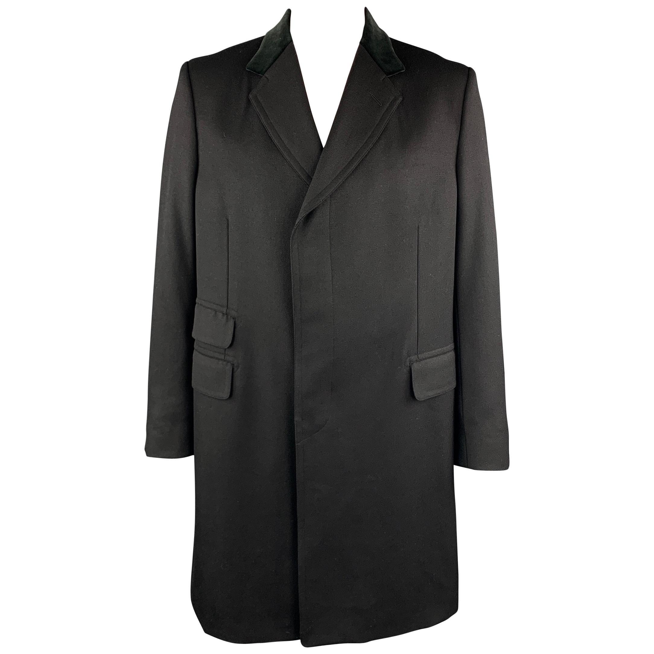 GUCCI Size 46 Black Wool Velvet Collar Hidden Buttons Long Coat